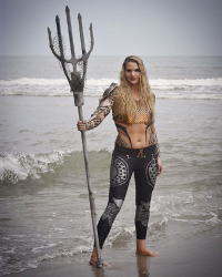 Alli Z Cosplay as Aquaman