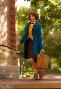 Aly Cat Cosplay as Newt Scamander
