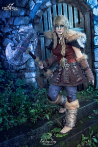 Horo Von Kaida as Astrid Hofferson
