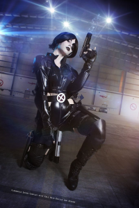 Florencia Jillian Sofen as Domino