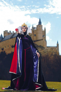 Naga Zmeyuka as The Evil Queen