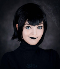 Andrasta as Mavis