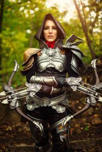 Akishuna Cosplay as Demon Hunter