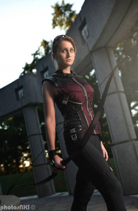 N/M Cosplay as Hawkeye