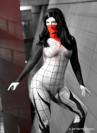 Beautiful Syn Cosplay as Silk