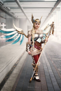 Oshley Cosplay as Mercy/Valkyrie