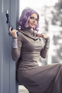 Floksy Locksy Cosplay as Amilyn Holdo