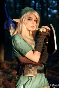 Ryuu Lavitz as Link