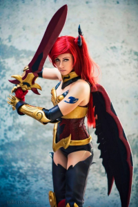 Braith Cosplay as Erza Scarlet