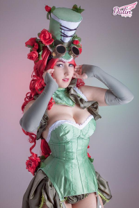 Dalin Cosplay as Poison Ivy