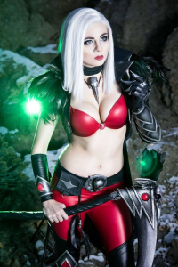 Andy Rae Cosplay as Necromancer
