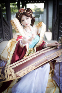 Miyuko Cosplayer as Sona