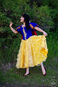 Analeigh Cosplay as Snow White