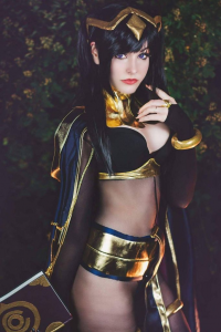 Ri Care as Tharja