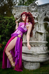 Cosplay Butterfly as Megara