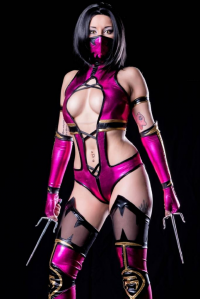 Rosanna Rocha Cosplayer as Mileena