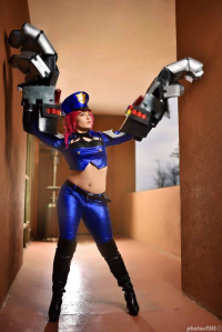 Ventress.Megitsune as Vi/Officer