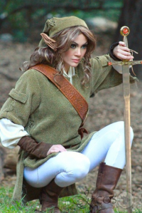 Jennifer Kairis as Link