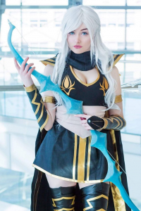 Ri Care as Ashe