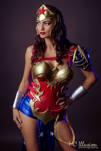 Ivy Cosplay as Wonder Woman/Battle Armor