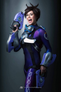 Stacey Roy as Tracer