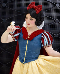 Fairwind Cosplay as Snow White