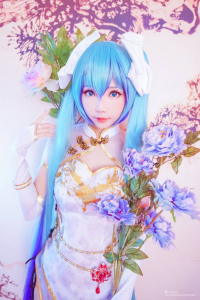 Ely Cosplay as Miku Hatsune