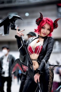Pionyquin as Succubus