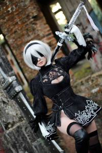 Giulia Hellsing as 2B