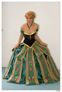 Robin Art & Cosplay as Anna of Arendelle