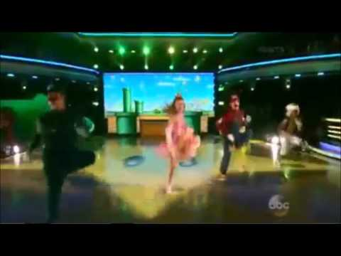 Super Mario Bros. invades Dancing With The Stars!