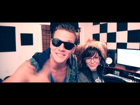 "Macklemore & Ryan Lewis  ""Thrift Shop"" feat. Wanz Cover by Tyler Ward"